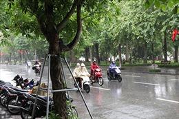 Thời tiết ngày 24/4: Bắc Bộ và Trung Bộ mưa dông, vùng núi có nơi dưới 14 độ C