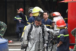 Khống chế đám cháy tại xưởng sản xuất may mặc tại KCN Phú Thị