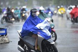 Thời tiết ngày 10/5: Mưa dông diện rộng ở Bắc Bộ, mưa lớn lốc, sét, mưa đá ở vùng núi Bắc Bộ, Bắc Trung Bộ