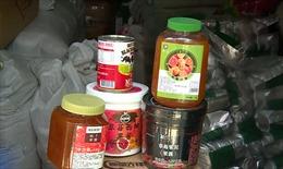 Bắt giữ số lượng lớn nguyên liệu trà chanh, trà sữa nhập lậu