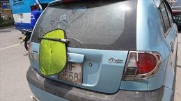 Nhiều taxi, xe máy dùng chiêu trò che biển số tránh 'phạt nguội'