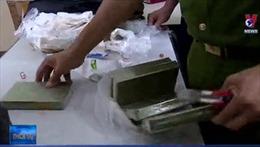 Phát hiện vụ mua bán ma túy, thu giữ 5 bánh heroin