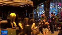 Tạm giữ hàng chục dân chơi ma túy trong khách sạn và quán karaoke