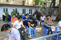 'Nóng' trong ngày 30/7: Hà Nội triển khai xét nghiệm nhanh; TP Hồ Chí Minh dừng hoạt động tụ tập trên 30 người