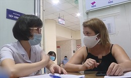 Nhiều bệnh nhân COVID-19 khỏi bệnh tình nguyện hiến huyết tương