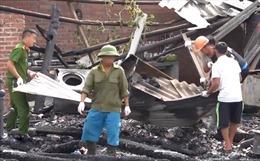 Cháy lớn tại Lào Cai  thiêu rụi 3 căn nhà, 1 người tử vong