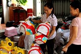 Làng nghề sản xuất đồ chơi trung thu ảm đạm vì dịch COVID-19