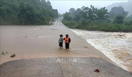 Thời tiết ngày 8/10: Nhiều khu vực trên biển mưa dông mạnh, Trung Bộ mưa lớn diện rộng