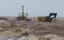 Thời tiết ngày 10/10: Áp thấp nhiệt đới gây mưa dông trên biển, Trung Bộ mưa rất to