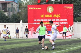 Sôi động giải bóng đá công nhân viên chức lao động Thủ đô