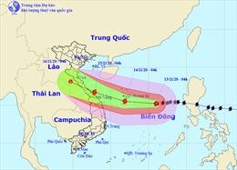 Bão số 13 đi vào đất liền các tỉnh miền Trung, sức gió mạnh cấp 12