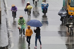 Không khí lạnh tăng cường gây mưa ở Bắc Bộ và Trung Trung Bộ