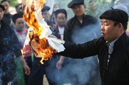 Lễ cúng thần rừng đầu nguồn dân tộc Mông