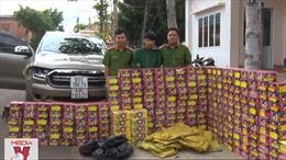 Bình Phước bắt vụ vận chuyển 429kg pháo lậu