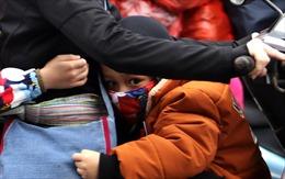Trẻ em chật vật trở lại Thủ đô cùng bố mẹ sau nghỉ kỳ nghỉ Tết Tân Sửu