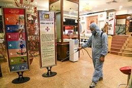 Xem các cửa hàng vàng chống dịch COVID-19 trước ngày vía Thần Tài