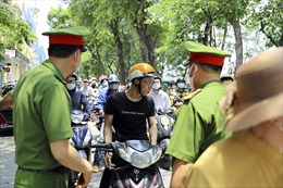 Hà Nội xử phạt nghiêm những trường hợp không đeo khẩu trang nơi công cộng