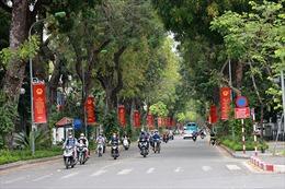 Hà Nội rực rỡ băng rôn, cờ hoa trước ngày bầu cử