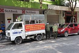 Nhiều trường hợp bị phạt do vi phạm trong ngày đầu Hà Nội thực hiện giãn cách xã hội