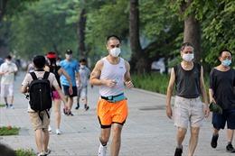 Người dân Thủ đô nhộn nhịp tập thể dục sau gần 3 tháng tạm dừng để phòng dịch
