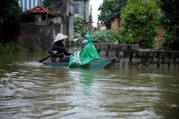 Nước sông Bùi dâng cao khiến cuộc sống hàng trăm hộ dân ở Hà Nội xáo trộn