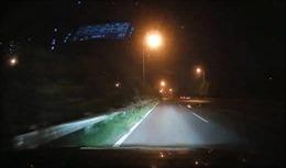 Đi xe máy vào cao tốc, người phụ nữ gặp nạn