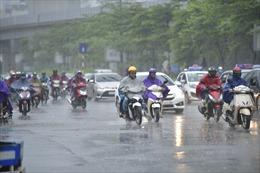 Thời tiết ngày 4/7: Bắc Bộ và Trung Bộ mưa dông, đề phòng lốc, sét, mưa đá