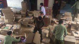 Mỹ phẩm không nguồn gốc được bán công khai tại Trung tâm thương mại  thành phố Vinh