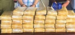 Táo tợn giấu 120 bánh hêrôin trong ô tô qua cửa khẩu Cầu Treo, Hà Tĩnh