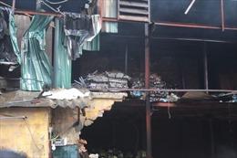 Nhà máy Rạng Đông tan hoang sau đêm cháy kinh hoàng