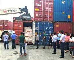 Hàng trăm container phế liệu bị 'trục xuất' khỏi Việt Nam