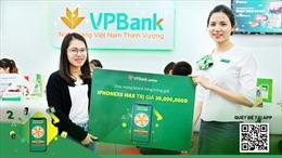 VPBank trao thưởng cho những khách hàng may mắn