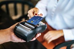 COVID-19 làm thay đổi thói quen trả tiền mặt sang online