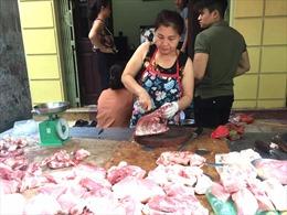 Giá thịt lợn 'cố thủ' cao, tăng tốc tái đàn bù đắp nguồn cung