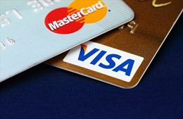 Kiến nghị Visa và MasterCard chia sẻ khó khăn với ngân hàng