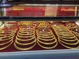 Giá vàng cuối tháng 3 'lao dốc', giảm tới 400.000 đồng/lượng