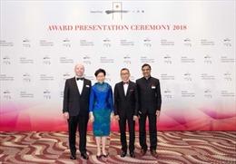 Hai giáo sư Mỹ và Ấn Độ được nhận Giải thưởng Yidan về giáo dục kèm theo gần 3,9 triệu USD tiền thưởng cho mỗi người