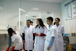Thăm và tặng quà Tết cho các bệnh nhân tỉnh Thái Bình