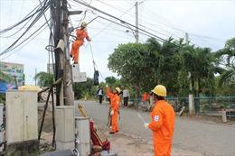 EVNSPC yêu cầu tăng cường công tác kiểm tra, hỗ trợ khách hàng dùng điện trong mùa nắng nóng