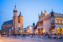 Thi viết giành chuyến đi Ba Lan 7 ngày