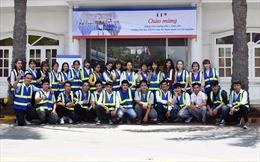 Sinh viên tham quan trải nghiệm tại công ty Nhựa Long Thành
