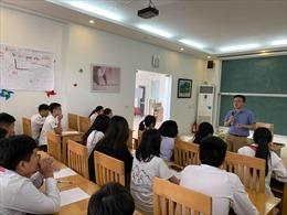 Khai giảng trường hè cho giảng viên, học sinh ngành toán