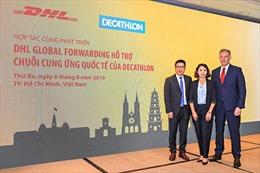 DHL hợp tác vận chuyển hàng hóa đi các nước