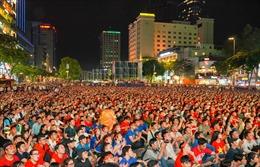 Tiếp tục truyền hình trực tiếp bóng đá  SEA Games tại phố đi bộ Nguyễn Huệ