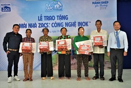 Trao tặng 300 mái nhà tôn Zacs®+ Công nghệ INOK cho người lao động nghèo