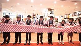 UNIQLO Hà Nội đón những khách hàng đầu tiên