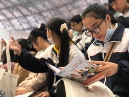 Gần 400 học sinh trải nghiệm thực tế làm sinh viên Phenikaa
