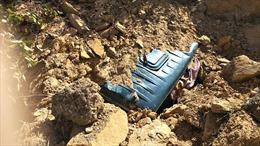 Sập mỏ đất, 2 xe ben cùng tài xế bị vùi lấp