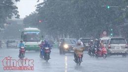 Chiều tối 26/9: Khu vực nội thành Hà Nội mưa dông, đề phòng gió giật mạnh