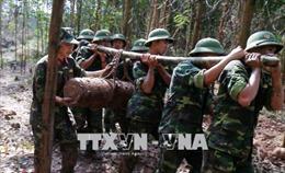 Tập huấn khắc phục hậu quả bom mìn sau chiến tranh
